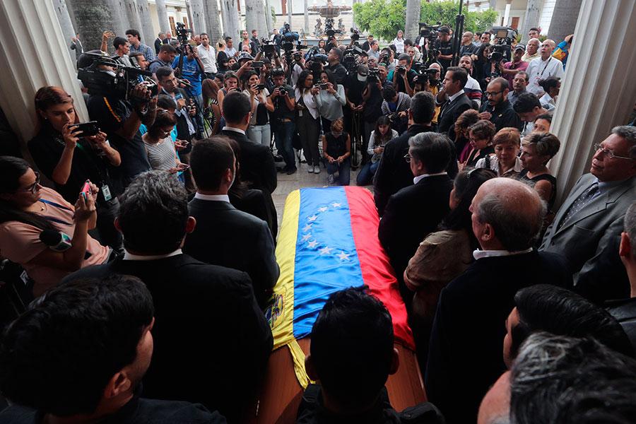 Funeral-Fernando-Albán